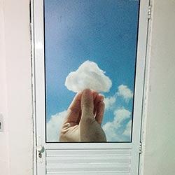 Adesivo para porta de vidro - Nuvem