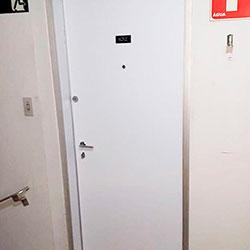 Envelopamento de Porta de apartamento - Branco Fosco - Villa Lobos - São Paulo