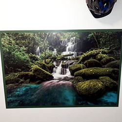 Impressão e aplicação de painel fotográfico para lavanderia