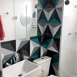 Revestimento adesivo para parede de banheiro