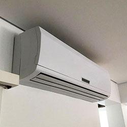 Envelopamento de ar condicionado com branco fosco - São Paulo