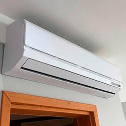 Envelopamento de ar condicionado com Branco Fosco - Vila Nova Conceição - SP