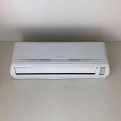 Envelopamento de ar condicionado com Branco Fosco - Morumbi - SP