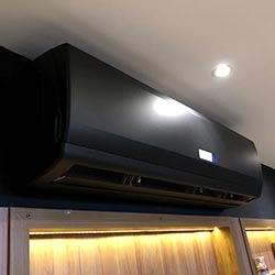 Envelopamento de ar condicionado em Indianápolis - Preto Fosco - São Paulo