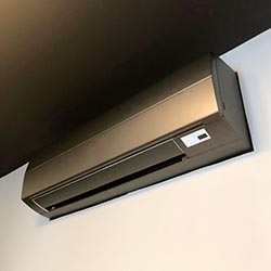 Envelopamento de ar condicionado com Jateado Charcoal - Morumbi - São Paulo SP
