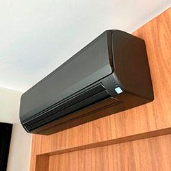 Envelopamento de ar condicionado com Jateado Charcoal - Pinheiros - São Paulo