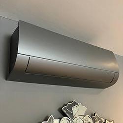 Envelopamento de ar condicionado no Jardim Paulista - Jateado Silver