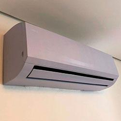 Envelopamento de ar condicionado com Pantone - Pinheiros - São Paulo