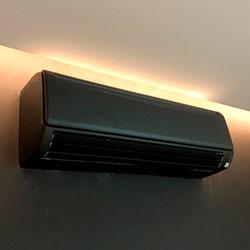 Envelopamento de ar condicionado com Preto Fosco - Panamby - São Paulo