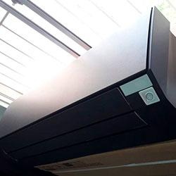Envelopamento de ar condicionadocom Preto Fosco - Tatuapé - São Paulo - SP