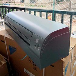 Envelopamento de ar condicionado com Satin Silver Metallic - Alphaville - SP