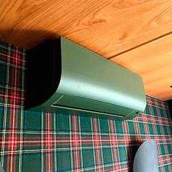 Envelopamento de ar condicionado com Verde Military Green Jateado - Moema - SP