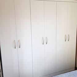 Envelopamento de armário com branco fosco em São Paulo