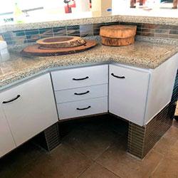 Envelopamento armário de cozinha com Branco Fosco - Alphaville - SP