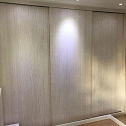 Envelopamento de armário de dormitório