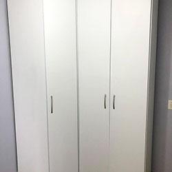 Envelopamento de armário / guarda roupa com branco fosco