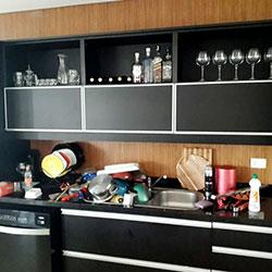 Envelopamento de armário com preto fosco para Tamboré - Alphaville - São Paulo