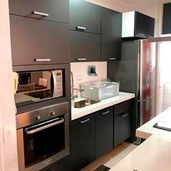 Envelopamento de armários de cozinha - Jateado Charcoal - Vila Nova Conceição - São Paulo