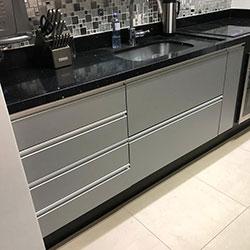 Envelopamento de gabinete de cozinha com Jateado Silver - Freguesia do Ó - São Paulo