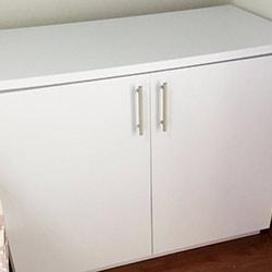 Envelopamento de cômoda com cor - Branco