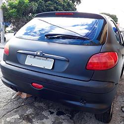 Envelopamento de Peugeot com Preto Fosco em SP
