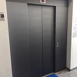 Envelopamento de Porta de Elevador em Santana - São Paulo