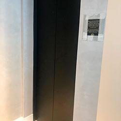 Envelopamento de Porta de Elevador Preto Fosco - Lapa - São Paulo