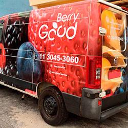 Aplicação de adesivo total com identidade visual - Good Berry