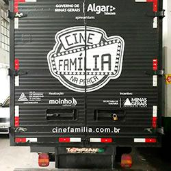 Envelopamento de Caminhão - Cine Família