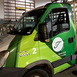Envelopamento - Plotagem de caminhonete para empresa em Guarulhos
