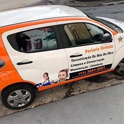 Envelopamento de Fiat Mobi para empresa Grupo Extrema - Osasco - SP