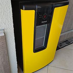Envelopamento de cervejeira Consul com amarelo - Vila Andrade - São Paulo