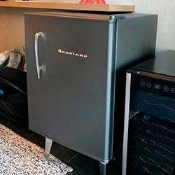 Envelopamento de frigobar com Jateado Charcoal - Itaim Bibi - SP