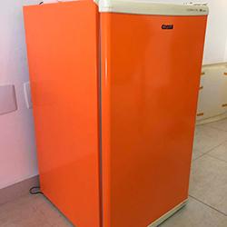Envelopamento de frigobar laranja em São Paulo