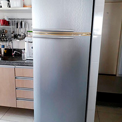 Envelopamento de geladeira com aço escovado/inox