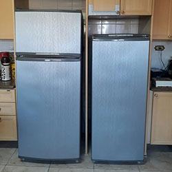 Envelopamento de geladeira com aço escovado - inox