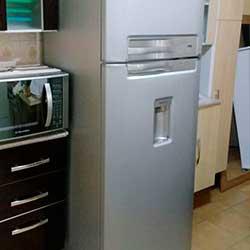 Envelopamento de geladeira com Inox