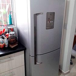 Envelopamento de geladeira com Aço Escovado - Jd. Olympia - São Paulo