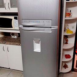 Envelopamento de geladeira aço escovado - Osasco - Vila Yara