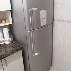 Envelopamento de geladeira com aço escovado - São Bernardo do Campo