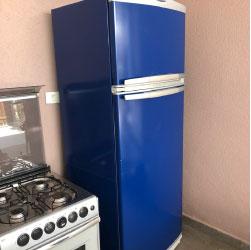 Envelopamento de geladeira com azul noturno - São Paulo