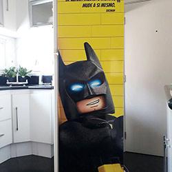 Envelopamento de geladeira do Batman