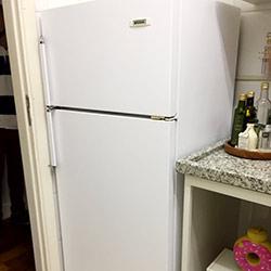 Envelopamento de geladeira branco fosco fosco