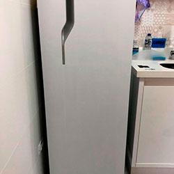 Envelopamento de geladeira com Branco Fosco - Centro - São Paulo