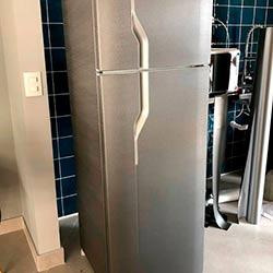 Envelopamento de geladeira com Brushed Graphite - Belas Vista - São Paulo