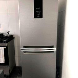 Envelopamento de geladeira com Brushed Graphite - Zona Oeste - São Paulo
