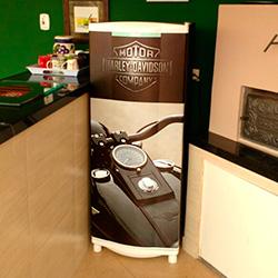 Envelopamento de geladeira imagem da Harley Davidson