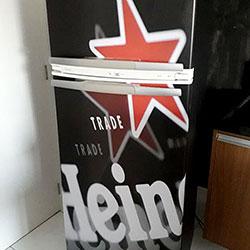Envelopamento de geladeira com Imagem de Heineken