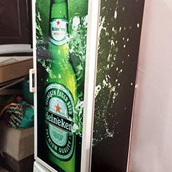 Envelopamento de Geladeira com Heineken