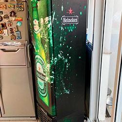 Envelopamento de geladeira com imagem da Heineken - Alphaville
